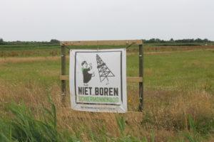Niet Boren spandoek op Schiermonnikoog